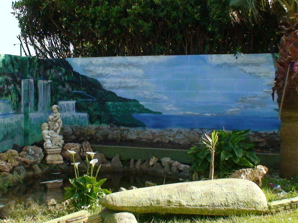 Decoracion graffiti jardin cascada emilio de bilbao for Cascadas para jardin piedra