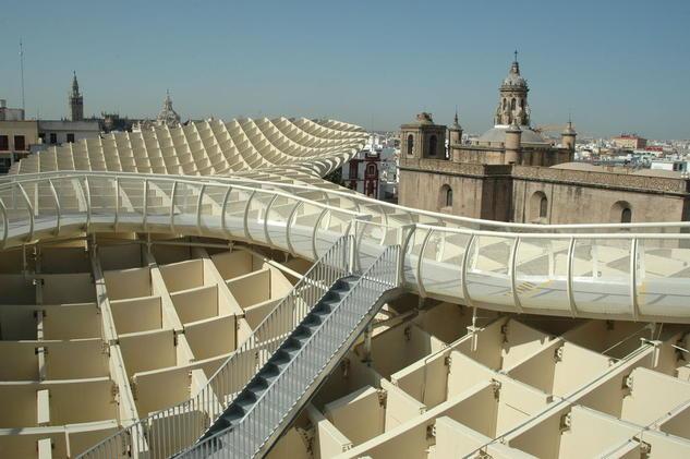 Plaza de la Encarnación o de las setas en Sevilla terraza ejemplo de integración Arquitectura e interiorismo Color (Digital)