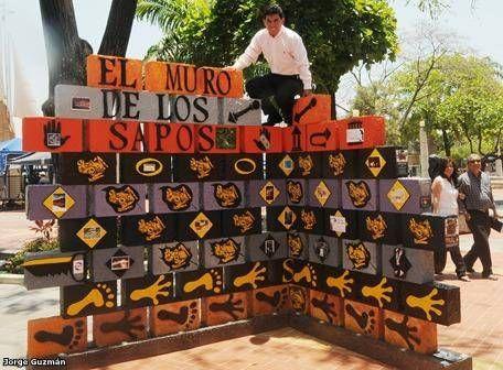 LALINCHI Y SU ESPECTACULAR OBRA EL MURO DE LOS SAPOS