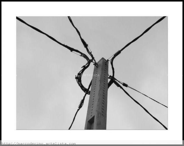 Nudo eléctrico. Conceptual/Abstracto Blanco y Negro (Digital)