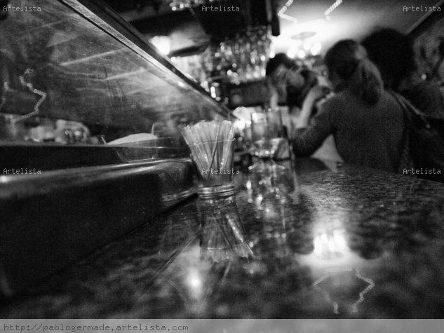 Lived in bars Fotoperiodismo y documental Blanco y Negro (Digital)