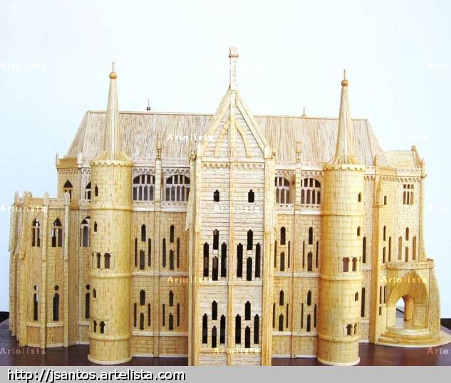 PALACIO EPISCOPAL DE ASTORGA Madera Figurativa