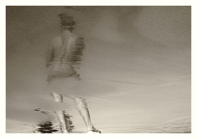 reflejoenelmar Blanco y Negro (Digital) Conceptual/Abstracto