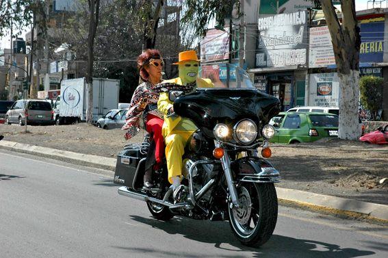 La máscara motorizada Color (Digital) Fotoperiodismo y documental