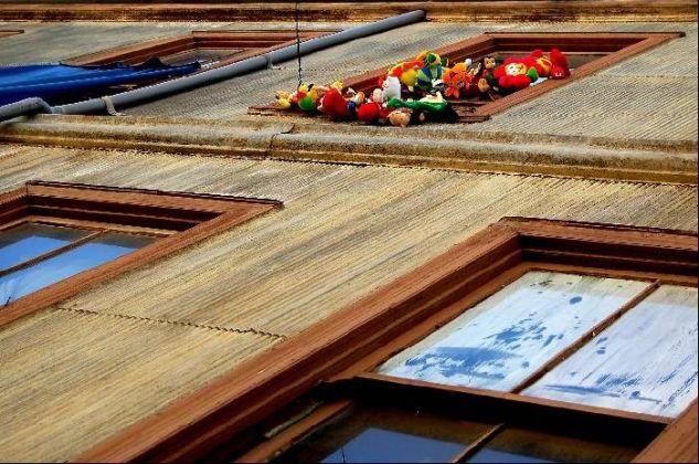 ventana feliz Otras temáticas Color (Digital)