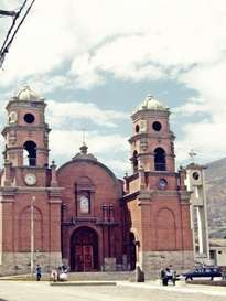 iglesia tipica   peruana