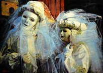 una pareja de carnaval