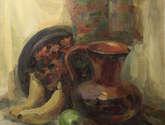 un jarro de barro y las frutas
