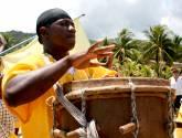 a ritmo del tambor