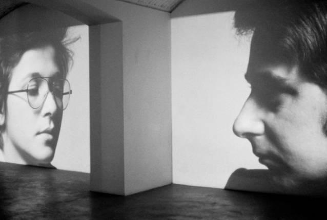 Clara and Dario, 1975. Proyección continua de imágenes con narración sincronizada de audio. Vista de la instalación, Studio Marconi, Milán, 1975. James Coleman. Cortesía del artista y Marian goodman Gallery, Nueva York/París.  © James Coleman