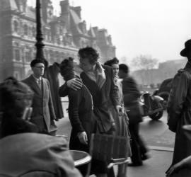 Robert Doisneau, El beso del Hôtel de Ville, 1950; Cortesía: Obra Social Caja Madrid