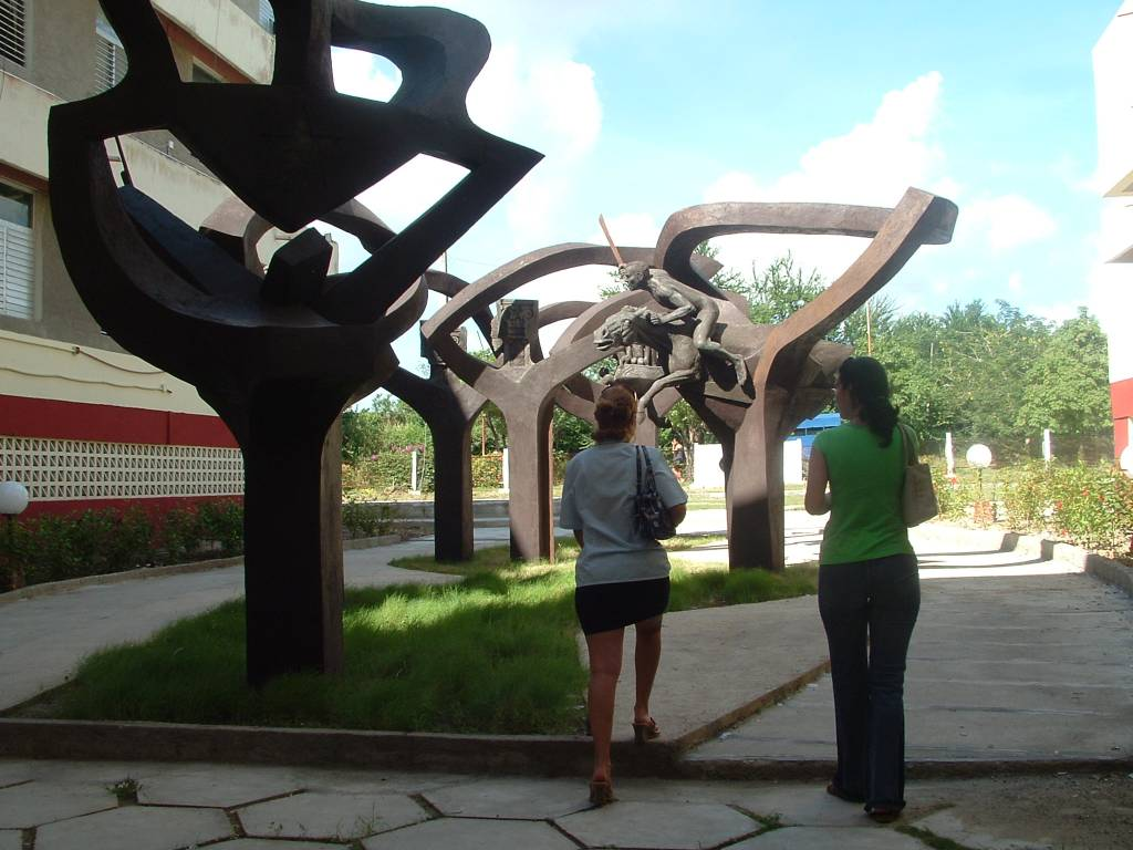 Proyecto Plaza Universidad de Holguin Rafael Alejandro Leyva Herrera ...