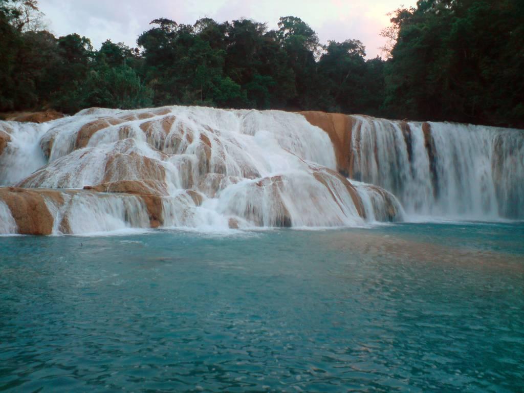 Cascadas de agua azul beatriz pi es for Cascadas de agua