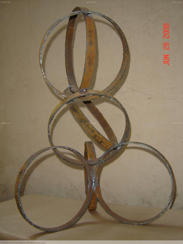 Oposicion geometrica verastegui - Esculturas de madera abstractas ...