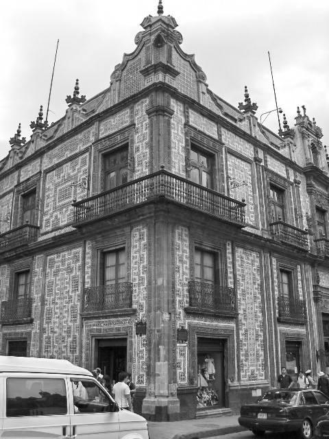 Casa de los azulejos jorma j martinez ojeda for Historia casa de los azulejos