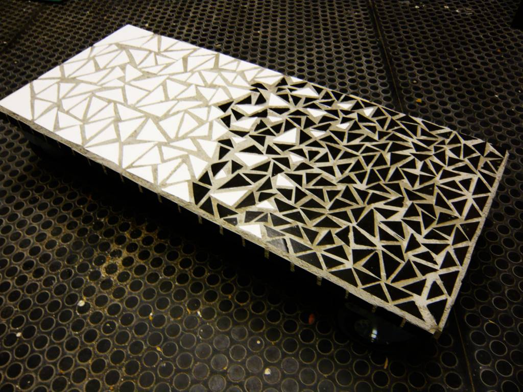 Mesa mosaico moosly diego hadjopulos for Mesas de mosaico