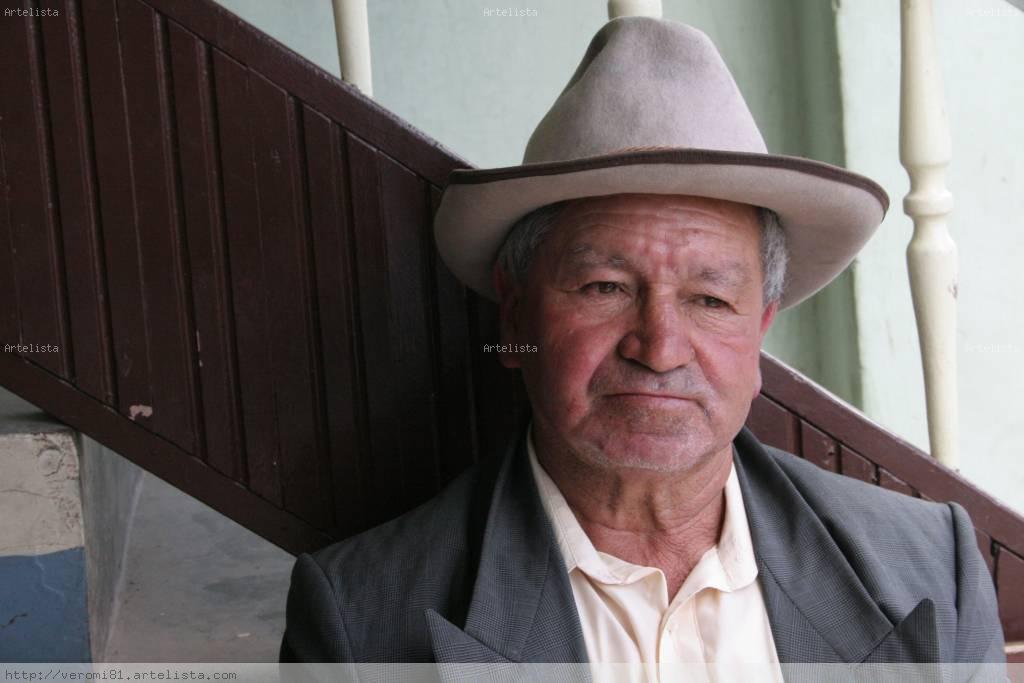 Mi viejo sombrero.. Veronica Mino - Artelista.com 228b1399040