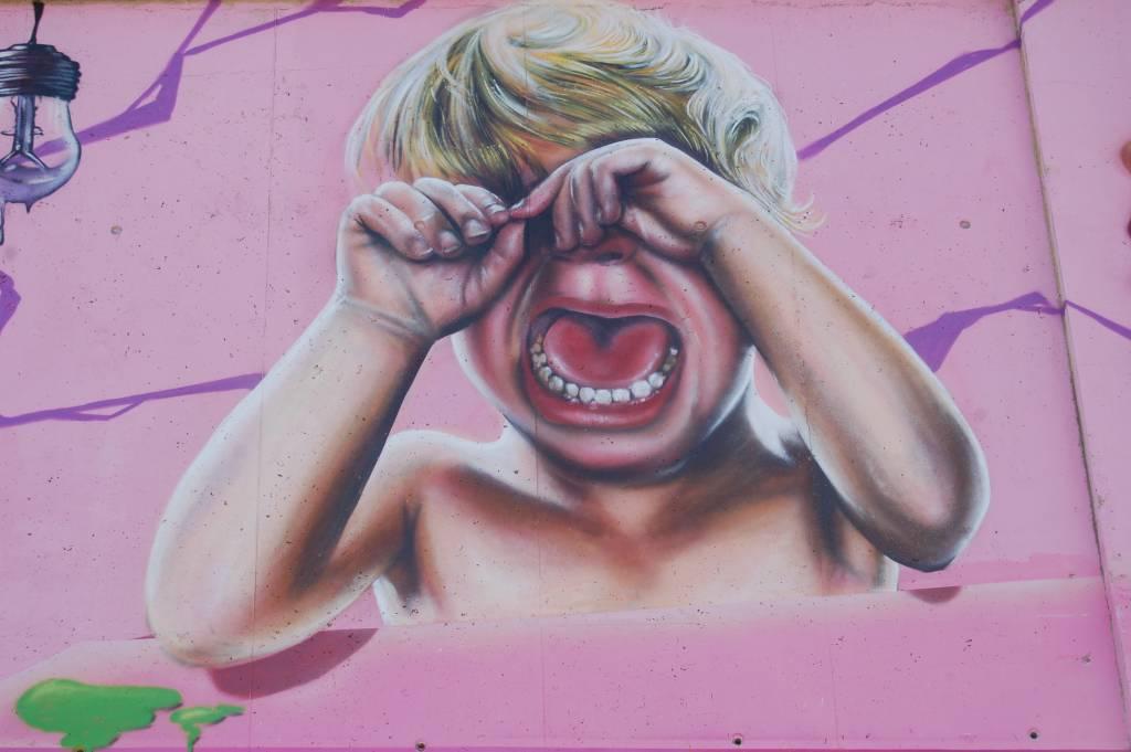 Graffiti ni o llorando jordi costa garcia for Graffitis para ninos