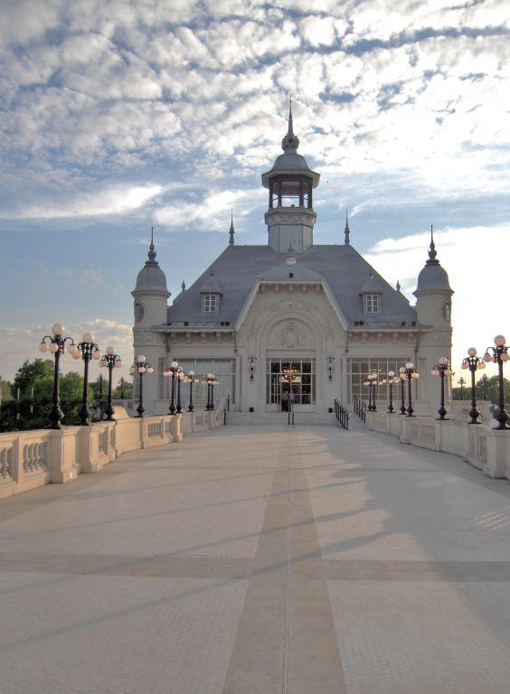 Museo de bellas artes isabel beatr z ferrario for Arquitectura 7 bellas artes