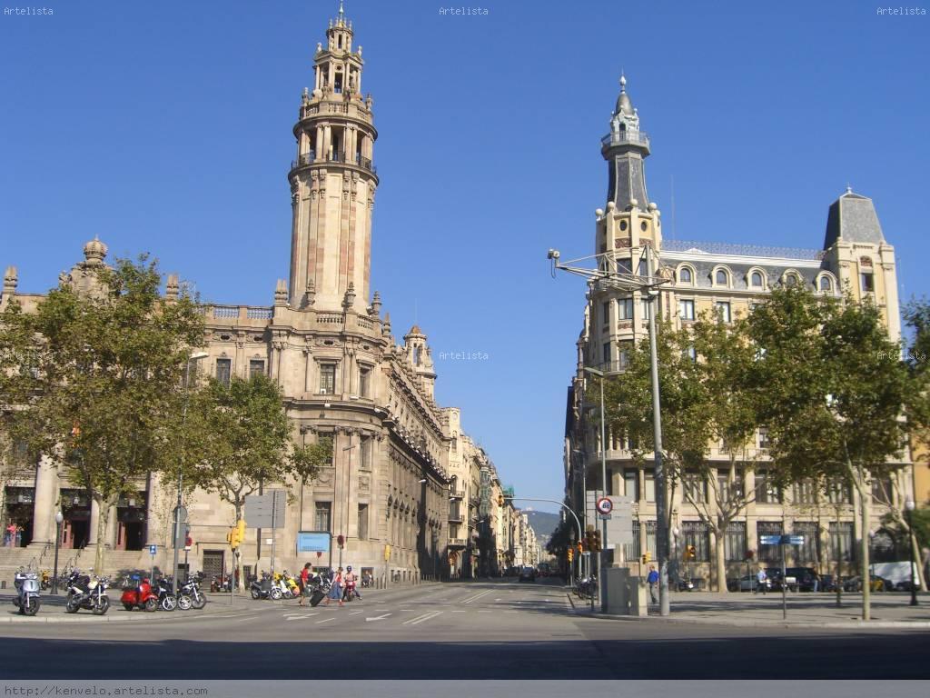 Edificio de correos luis cuesta for Oficina de correos barcelona