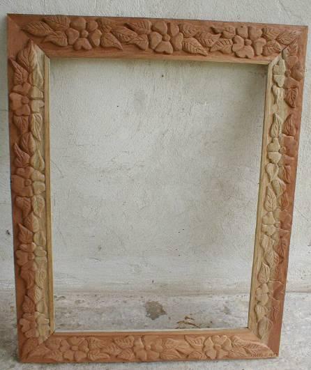 Marco rustico tallado ana diniz for Marcos para espejos de madera rusticos