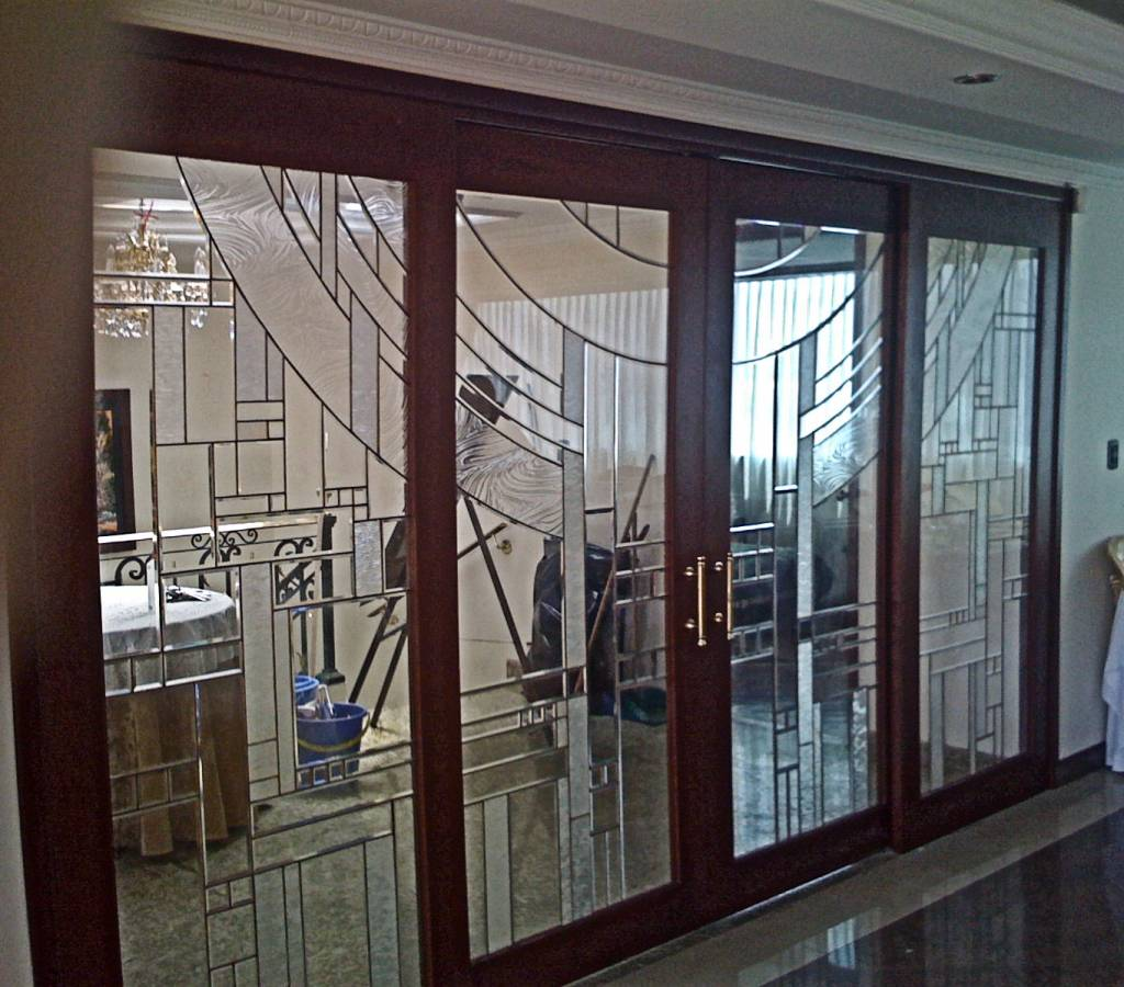 Puerta biselado texturas german rodriguez restrepo - Puerta de aluminio con cristal ...