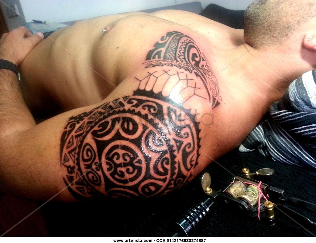 Tatuaje Maori por Moacir Lemos Tatuador Madrid moamadridtattoo