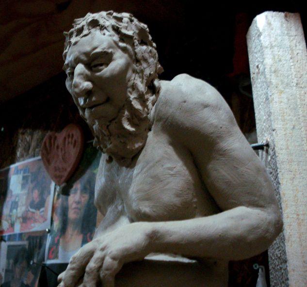 Maqueta para escultura monumental Vista 2 Figurativa Cerámica