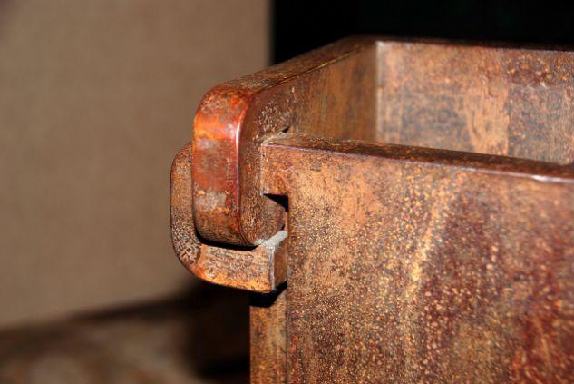 Doble diedro enlazado (detalle) Iron Abstract