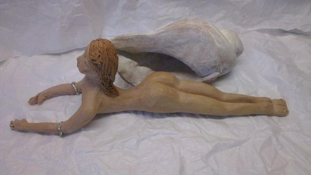 Mujer Caracola blanca Terracota Figurativa