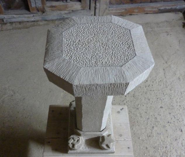 Pedestal comunista Stone Figurative