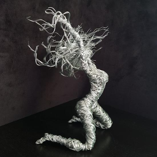 Brisa Figurative Metal