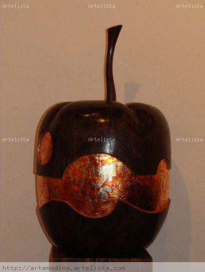 manzana Madera Figurativa