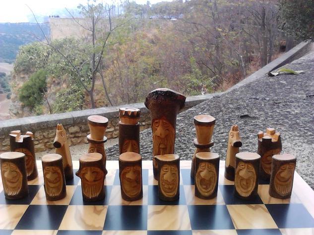 Ajedrez de olivo. Figurativa Madera