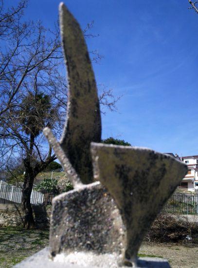 ESCULTURA PARA UN ACONTECIMIENTO Madera Abstracta