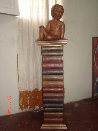 pequeña  cultura Madera Figurativa