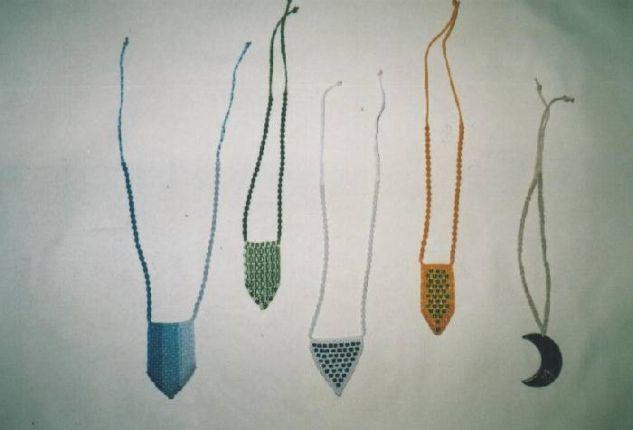 Pulceras y Collares en Macramé Ropa Textil