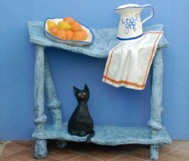 aparador con jarra y gato Mixta Abstracta