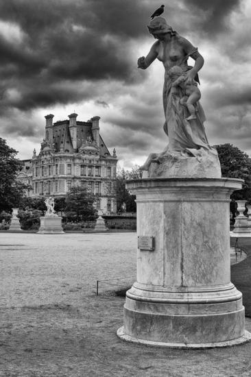 Louvre Viajes Blanco y Negro (Digital)