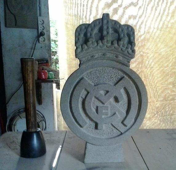 ESCUDO REAL MADRID Piedra Figurativa