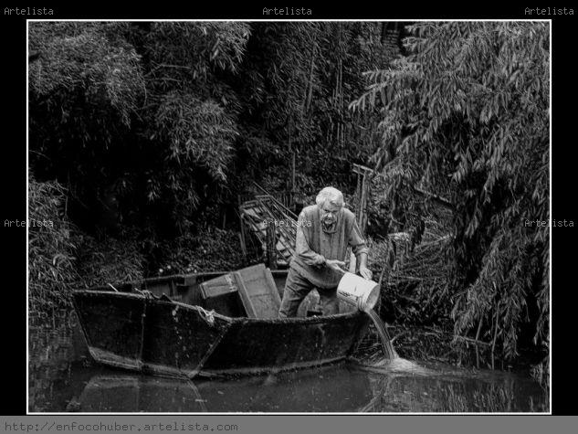 EL VIEJO Y EL BOTE Blanco y Negro (Digital) Retrato