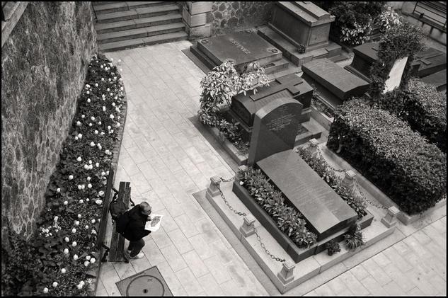 Cementerio de Montmartre, paris Blanco y Negro (Digital) Arquitectura e interiorismo