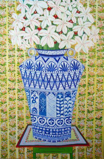 Jarrón azul con flores blancas sobre mesa inestable Óleo Lienzo Floral