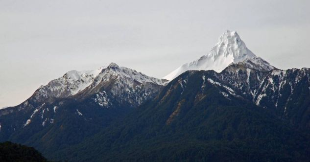 Volcan Puntiagudo Naturaleza Color (Digital)
