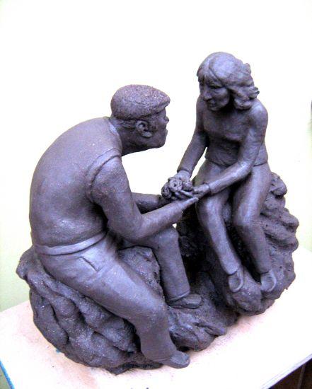Maqueta escultura gran formato mamá vista 3 Figurativa Cerámica