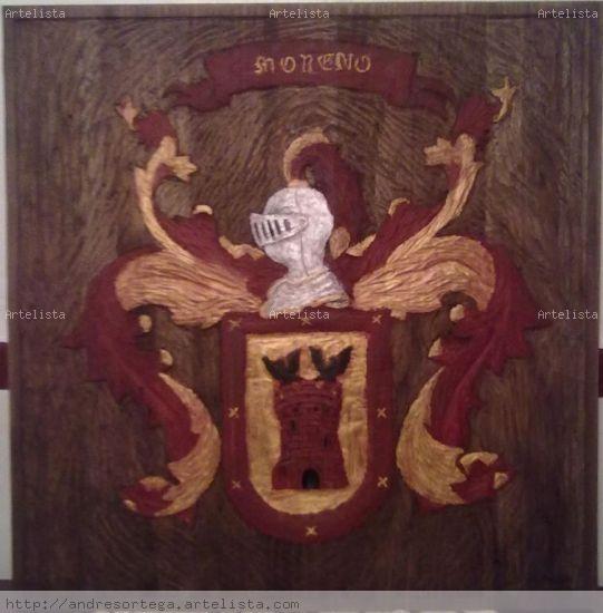 Escudo de armas en madera tallada Madera Figurativa