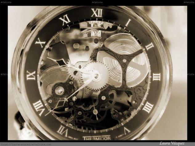 El tiempo en sus manos Otras temáticas Color (Digital)