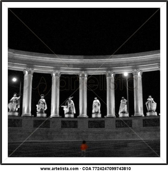 Niño en Budapest Arquitectura e interiorismo Blanco y Negro (Digital)