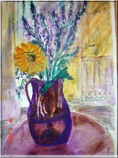 Napraforgó és vadvirágok lila kancsóban,