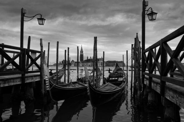 VENECIA Black and White (Digital) Travel